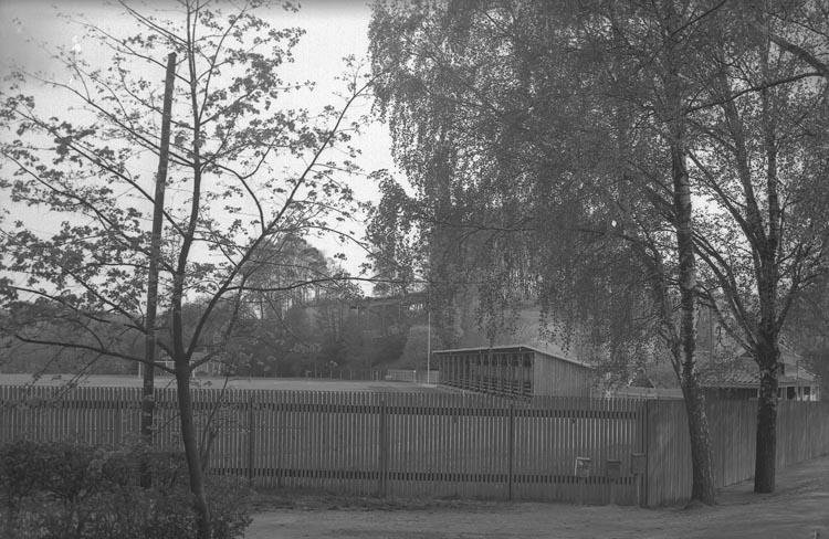 """Enligt fotografens noteringar: """"1938. 28. Idrottsplan""""."""