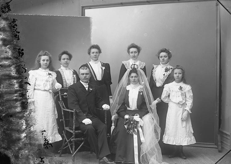 """Enligt fotografens journal nr 1 1904-1908: """"Andersson, Albin Gilltorp, Jörlanda""""."""