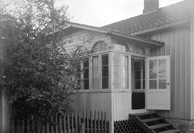 "Enligt fotografens journal nr 1 1904-1908: ""Andersson, Johannes Stenung""."