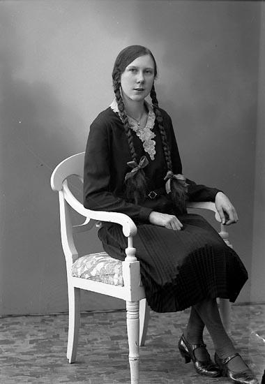 """Enligt fotografens journal nr 6 1930-1943: """"Johansson, Thelma Kopper Här""""."""