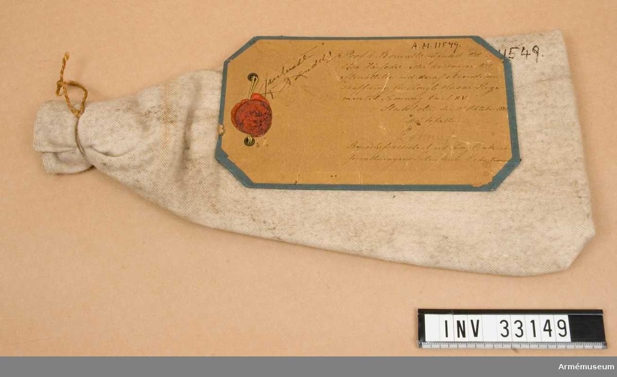 Grupp C I. Bomullsvävnad till lösa lårfoder eller kalsonger för kungliga husarregementet Karl XV.
