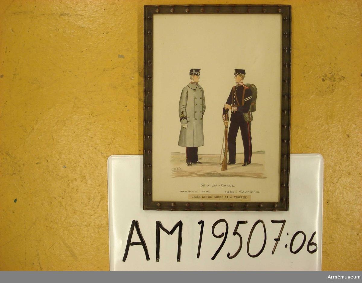 Grupp M I.   Serie med uniformsbilder för Andra livgardet resp Göta livgarde under 1800-talet. Underlöjtnant i Kappa och Soldat i fältutrustning. Under konung Oscar II regering