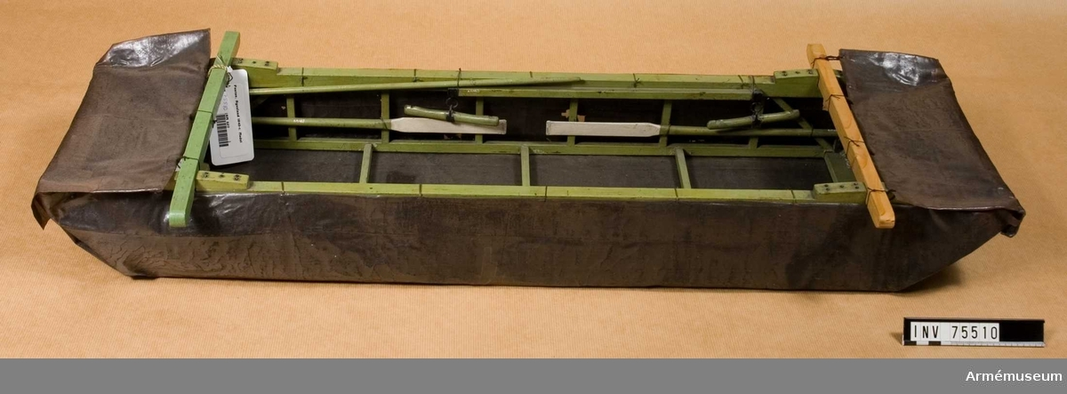 Grupp G.  Skala 1/6 Ryssland. För pontonvagn nr. 628.  Samhörande: Överdrag av tjärad segelduk.
