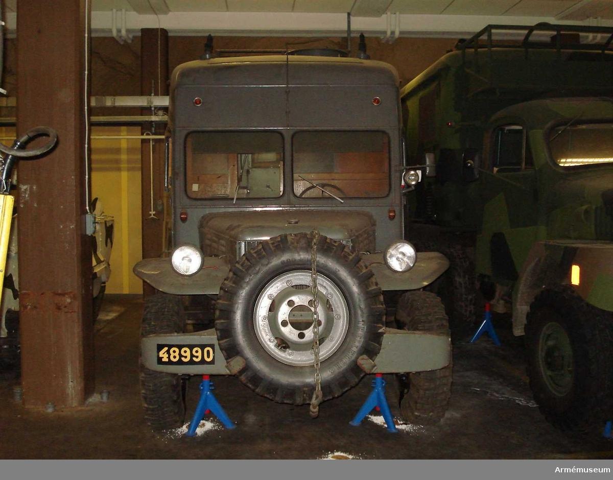 Grupp I VII. Gåva.  Orginalnamn: 6 + 6 Personnel Carrier. Fabrikat Doge 1,5 t 6x6.