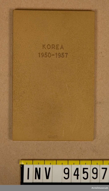 """Text:""""Sven Sjölander för förtjänser om svenska röda korset"""". På baksidan: """"Korea 1950-1957"""""""