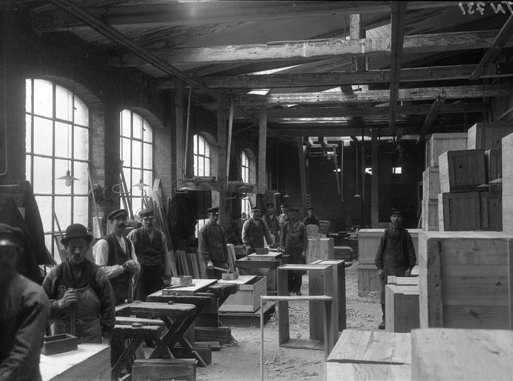 Interiör från Uddevalla Tändsticksfabrik 1915