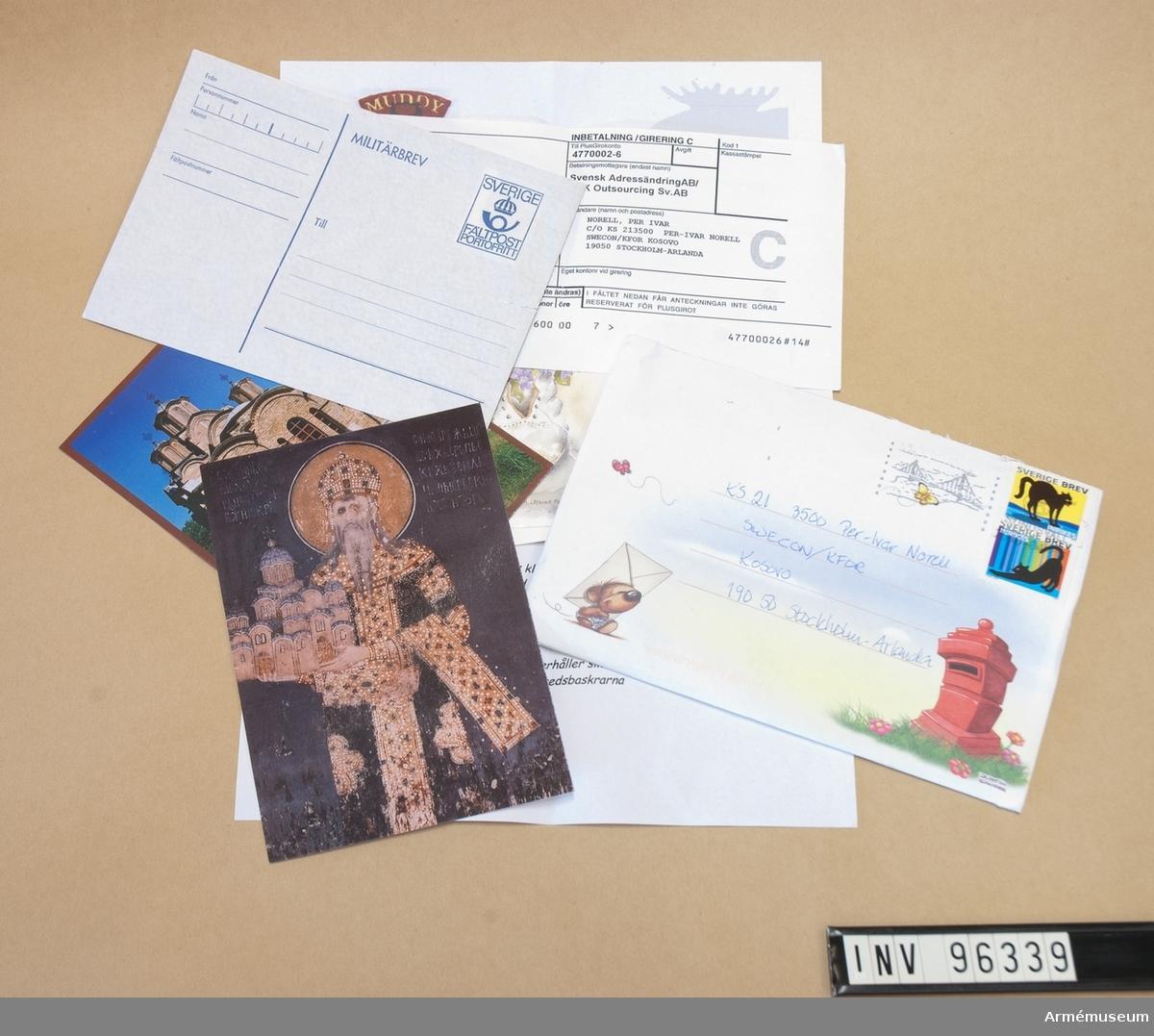 En bunt med korrespondens bestående av sammanlagt 9 stycken vykort och brev.