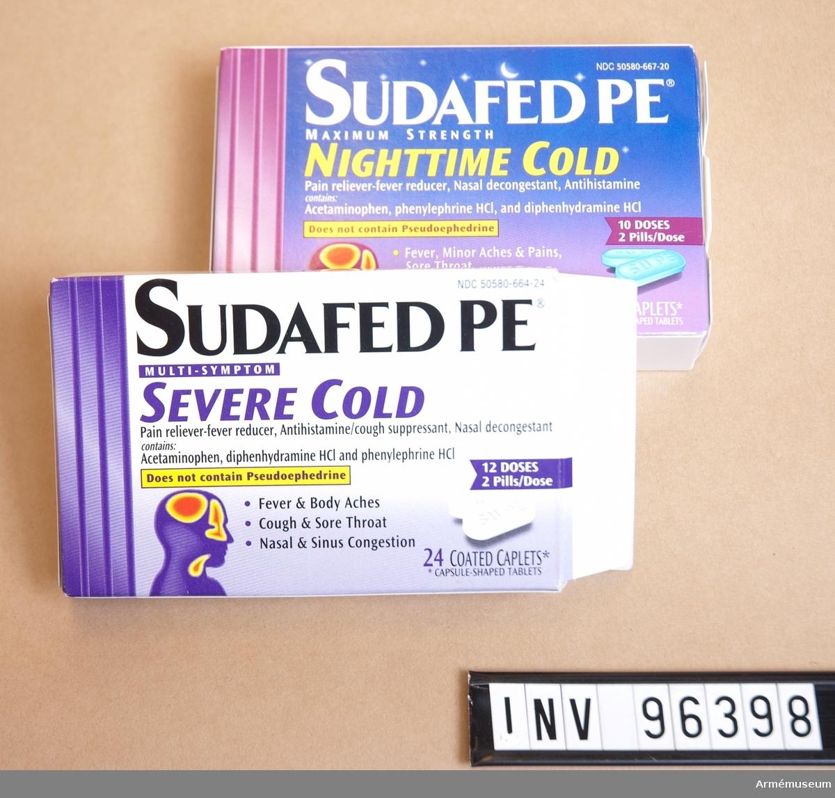 """Två stycken pappersaskar med tabletter av märket """"SUDAFED PE"""". """"Night time cold"""" (oöppnad) och """"Severe cold"""" (öppnad, 2x10 tabletter kvar)."""