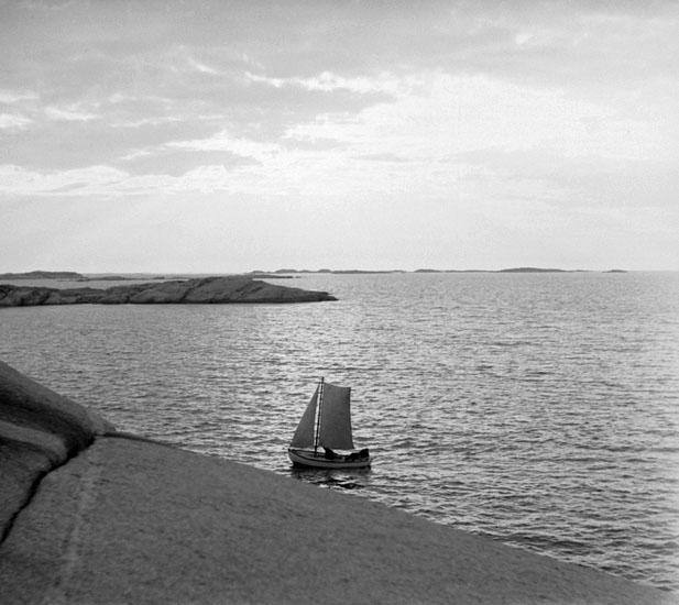 (Stereo karta XV) Lysekil. Stångehuvud. a & b solnedgångsbilder, 18 Juni 1926.