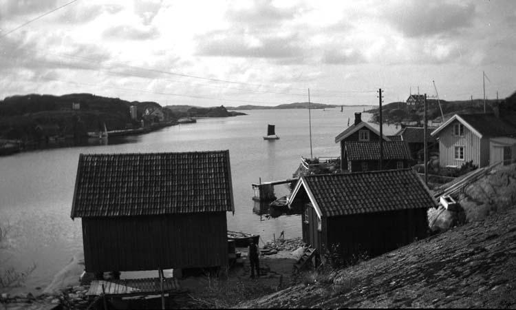 Vy med Kyrkesund i bakgrunden, cirka 1910 - 1920.