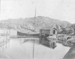 Skärgård med jakt och sjöbod på Skaftö