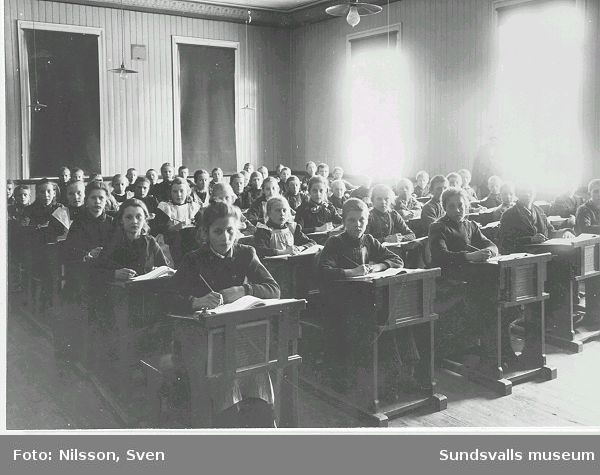 Elever i Kubikenborgs skola.