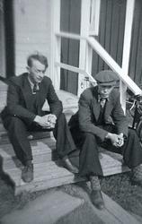 Repro från fotoalbum med konstnären Sune Blomqvist och hans