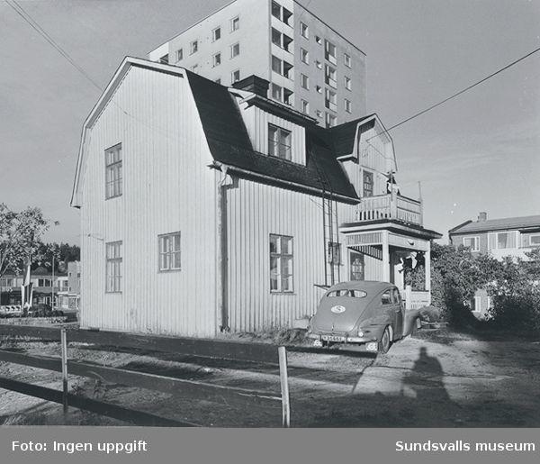 Bostadshus i Skönsberg (Medborgargatan 25). Revs vid saneringen på 1960-talet.