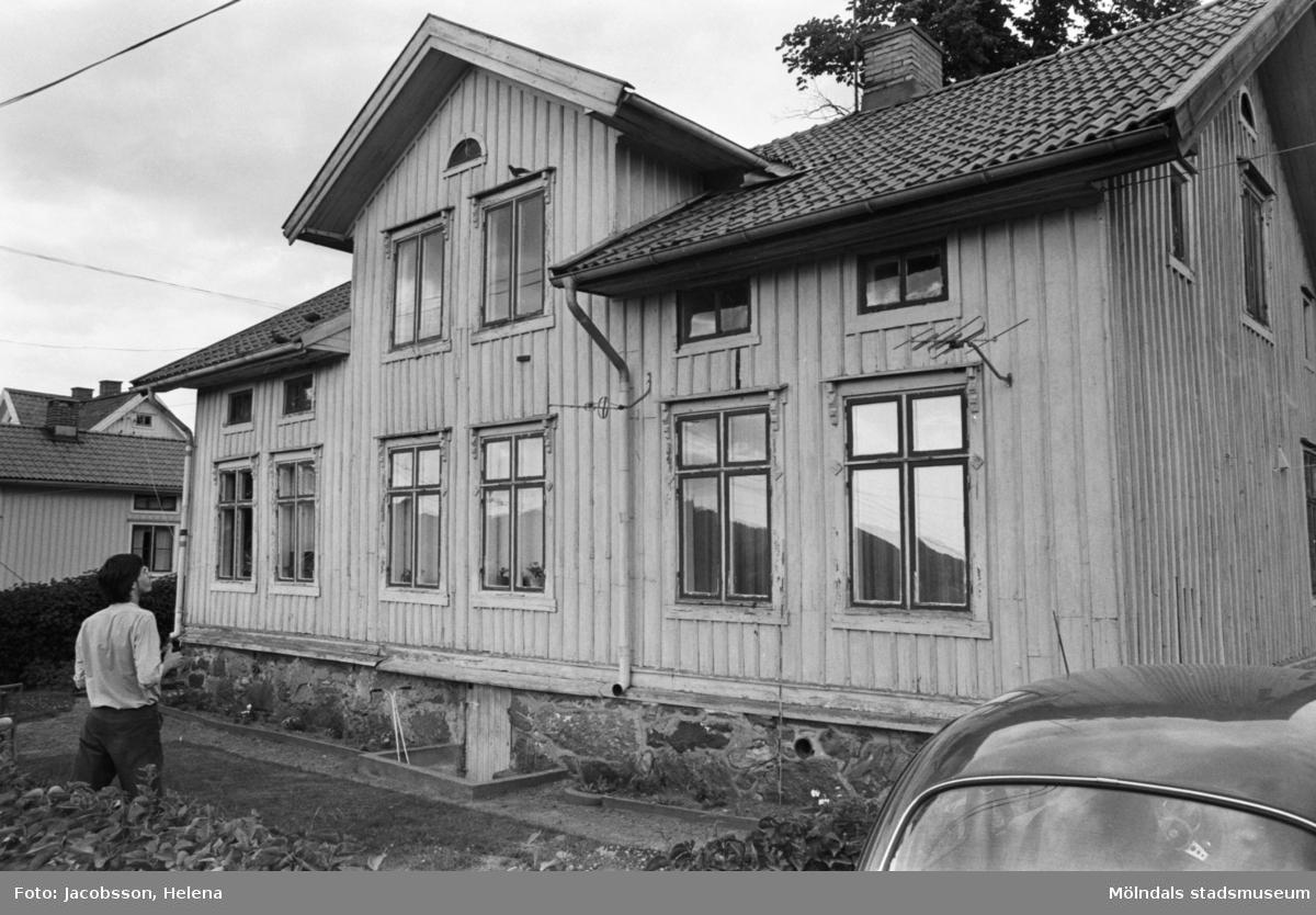 Roten L 13 i Mölndals Kvarnby. Exteriör av huset.