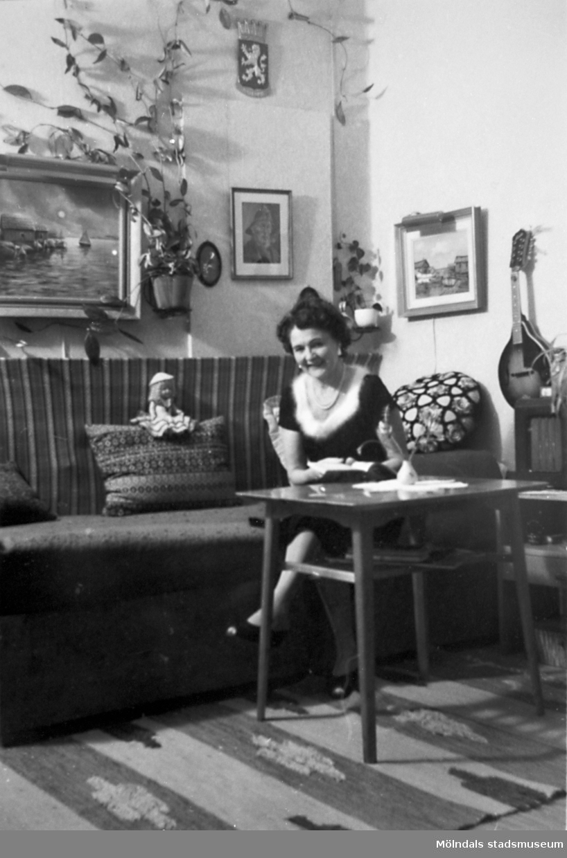 Hon började arbeta på Stretereds skolhem 1924 och slutade på 1960-talet. Hon hade även en tjänstebostad på Stretered. Från 1940-tal till 1960-tal hade hon sitt hem på Skolgatan i Haga, parallellt med bostaden på Stretered.