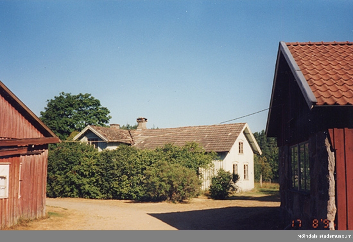Mangårdsbyggnad, Ålgårdsbacka 1:7 i Lindome. 1995-08-17. Relaterade motiv: 2004_0145 - 0156.