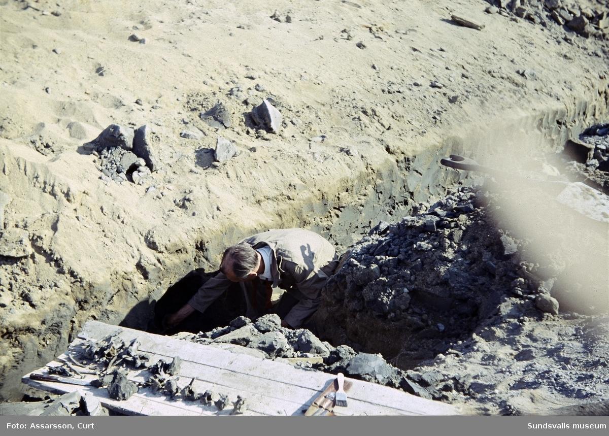 Arkeologi. Utgrävningar någonstans i Sundsvall.