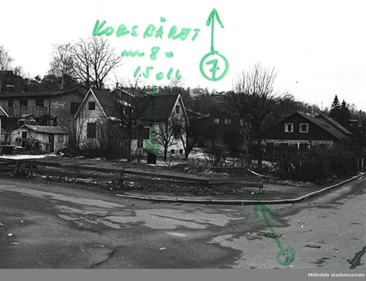 Bostadshus på Fässbergsgatan 34, korsningen mellan Fässbergsgatan/Lyckogatan i Toltorpsdalen, Mölndal.