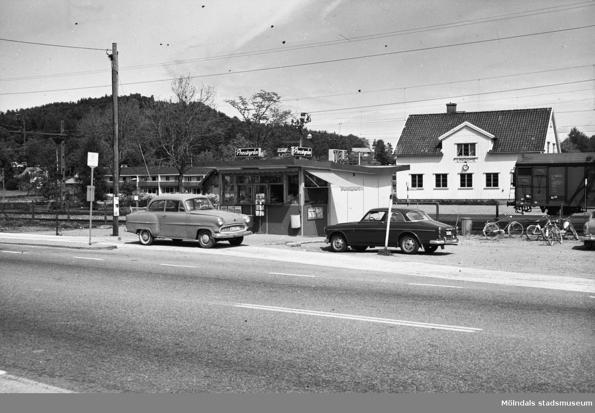 Vy från Lindome station.