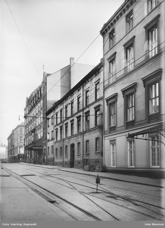gateløp, forretningsgårder, Bøndernes hus, Det Norske Teatret, gatelegeme, trikkeskinner