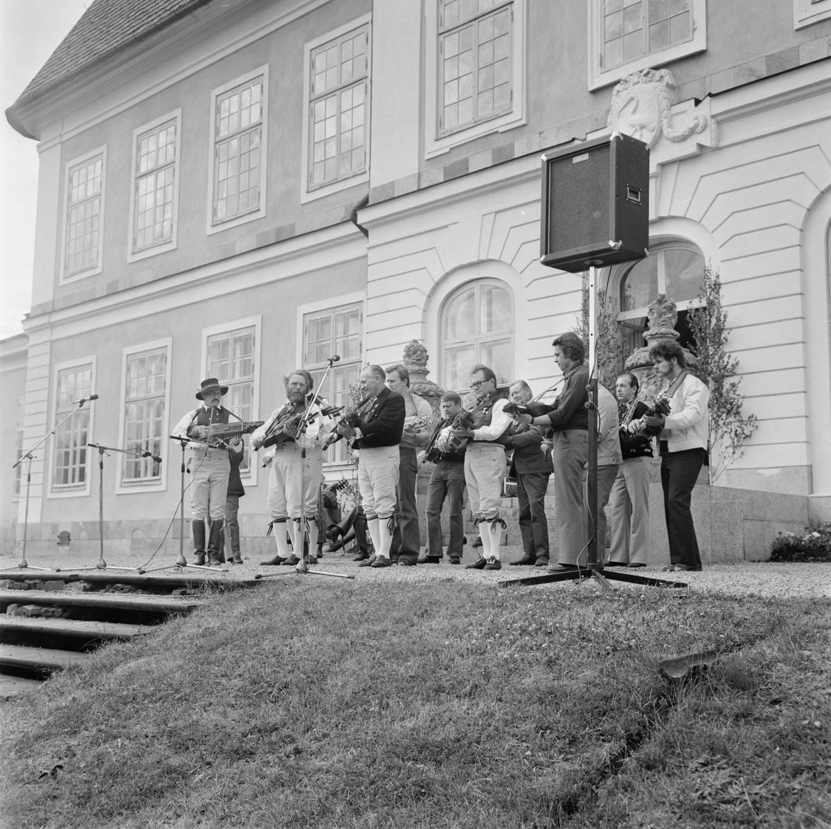 Nyckelharpans dag, Österbybruk, Uppland juni 1975