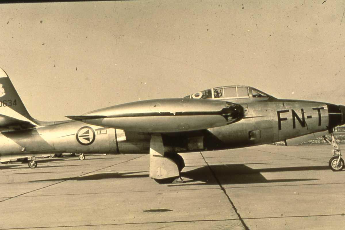 Norsk fly av typen F-84G Thunderjet med kjennetegn FN-T og nr. 51-10634.