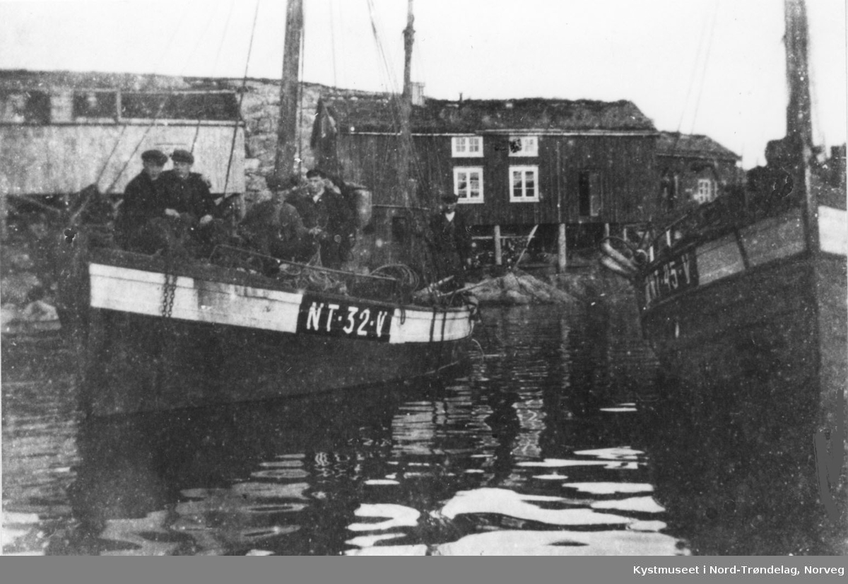 Sør-Gjæslingan, båter for anker