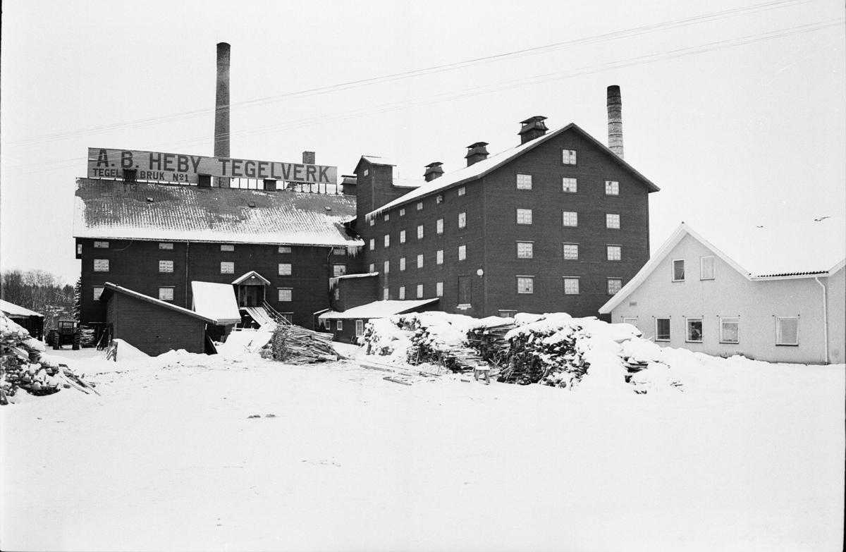 Uthus, Heby, Vsterlvsta socken, Uppland - DigitaltMuseum