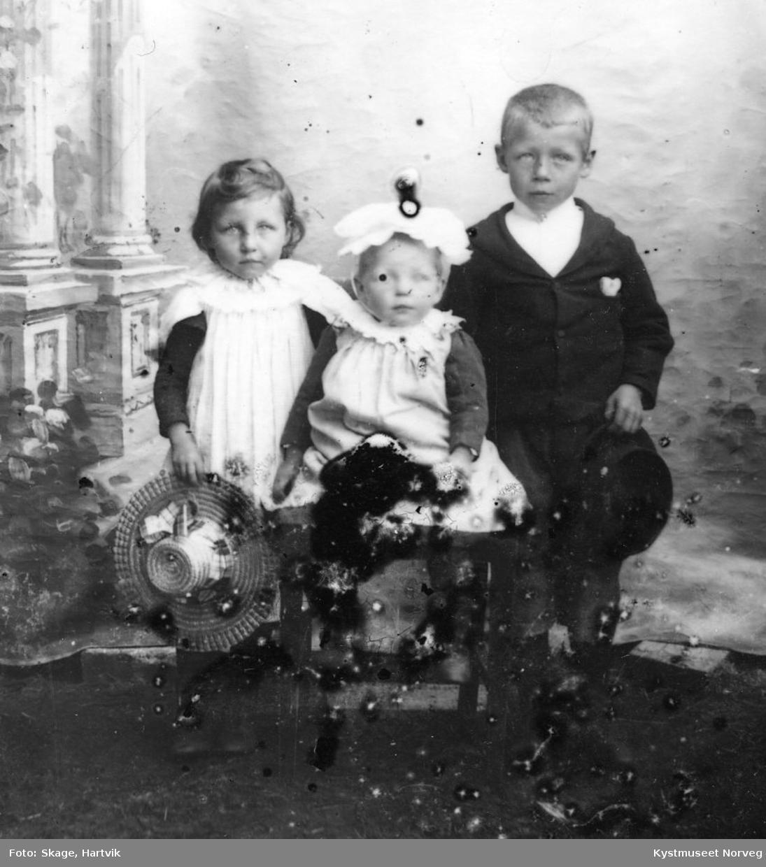 Tre ukjente søsken