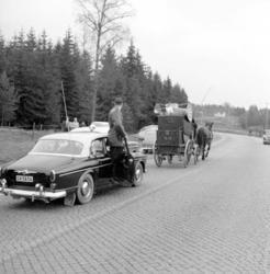 På väg i postdiligens till Morokulien, november 1959