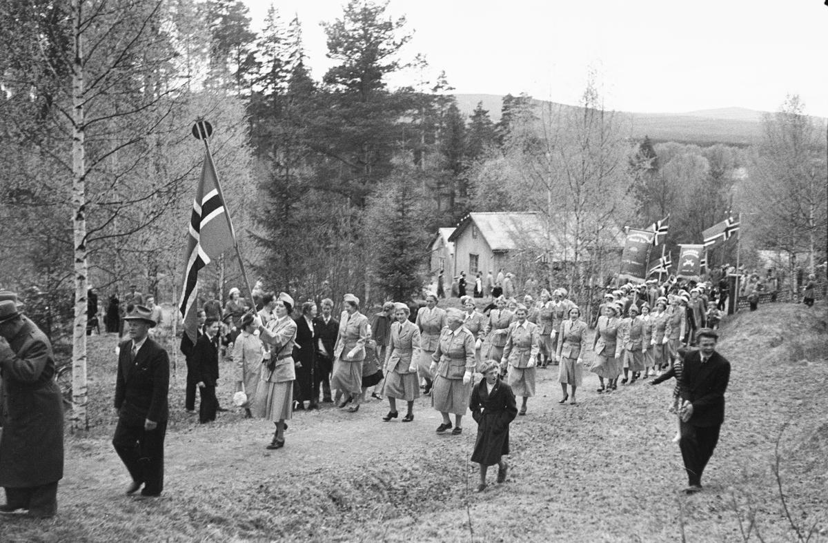 17. mai. Elverum.  1954.  Christiansfjeld festning.