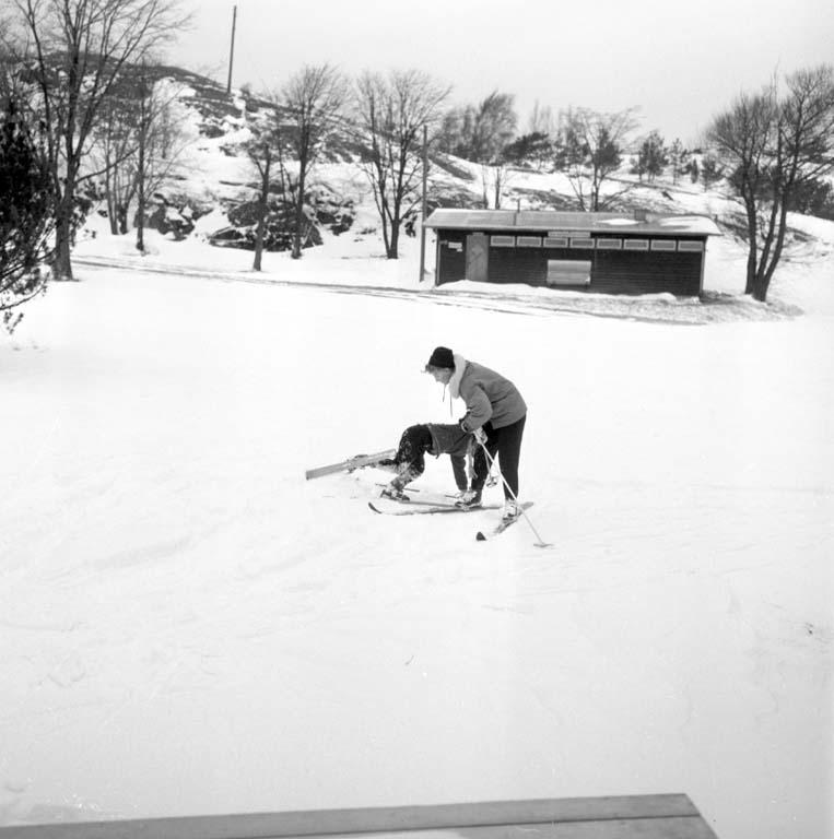 På skidskolan vintern 1960, Uddevalla