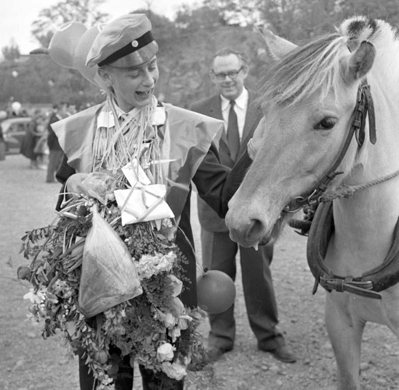 Elev som tagit realexamen och en häst