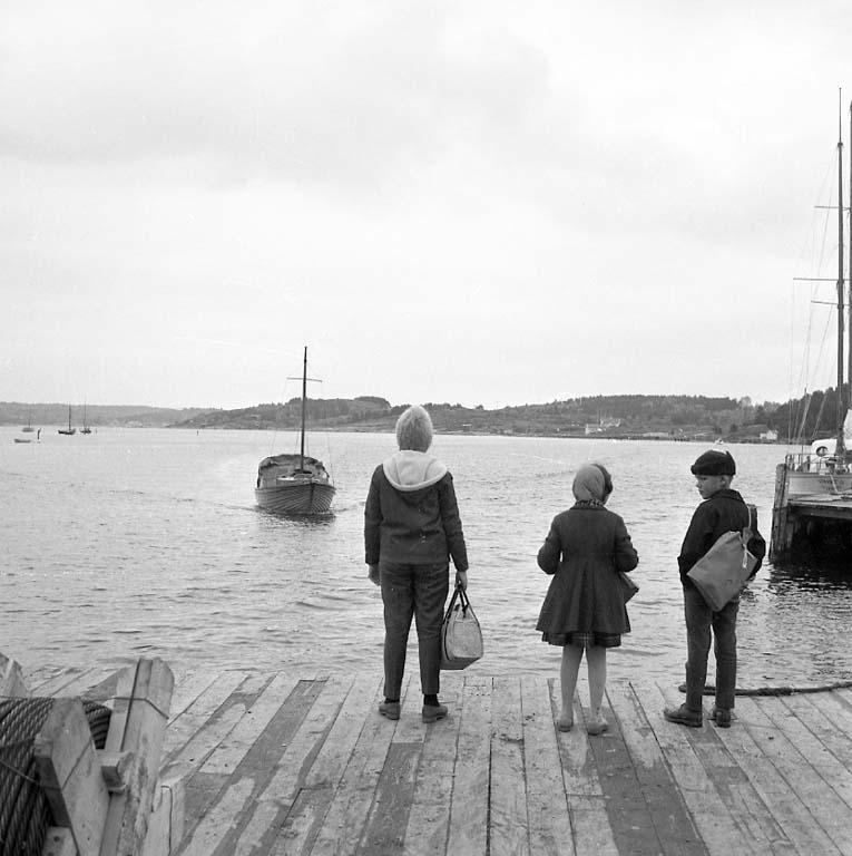 """Enligt notering: """"Bilder från Stenungsund Okt -60""""."""