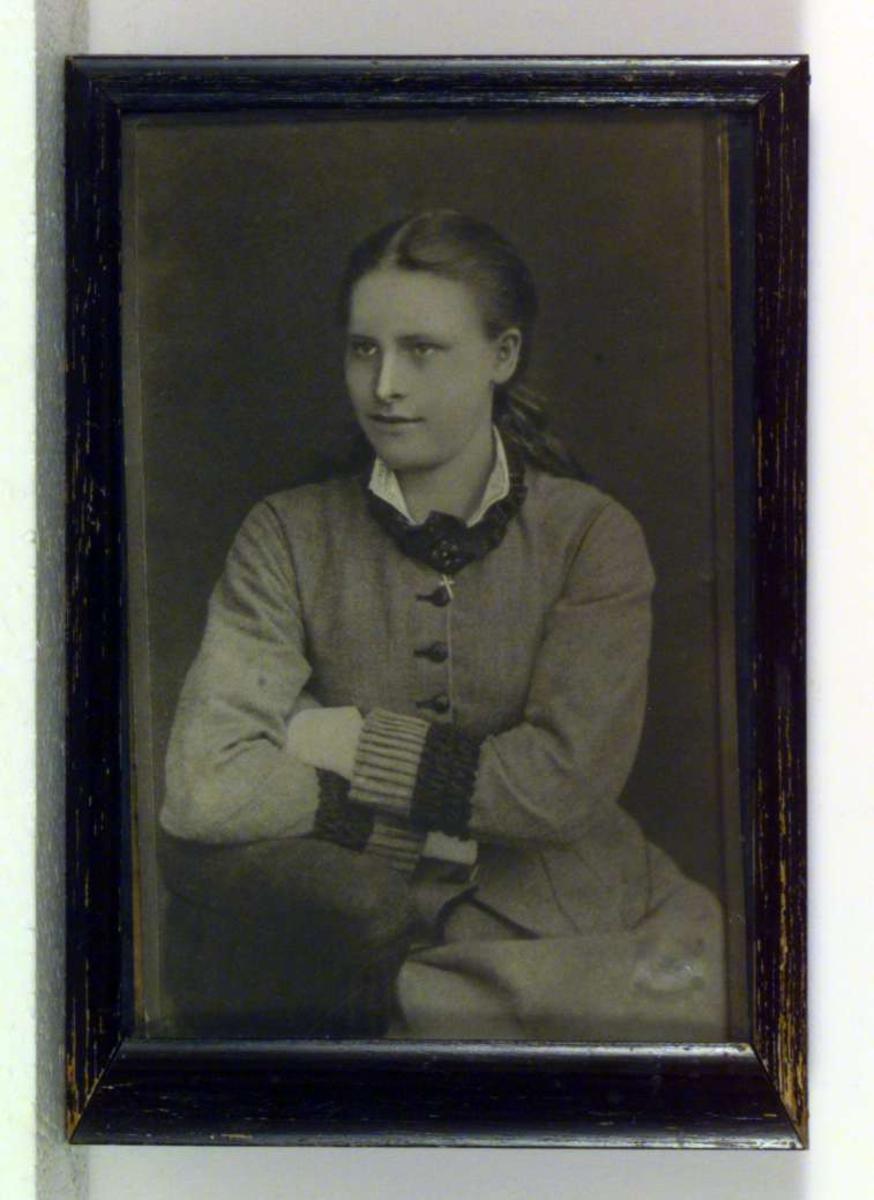 Portrett av Regine Normann.