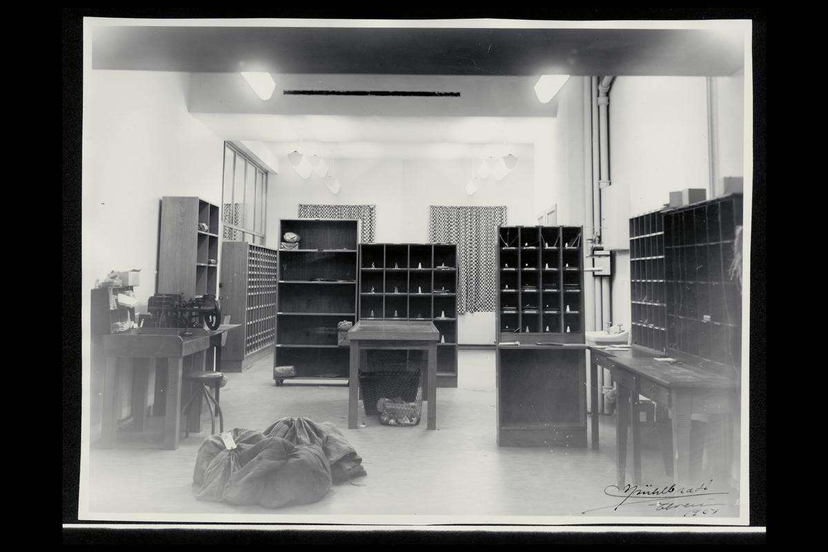 interiør, postkontor, 2400 Elverum, postsekker