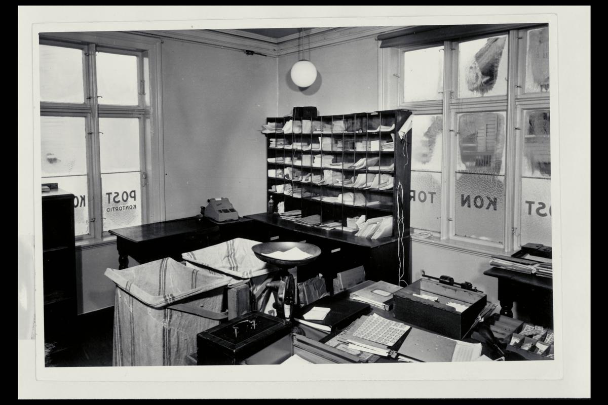 interiør, postkontor, 4001 Stavanger, sortering, vekt, postsekker,