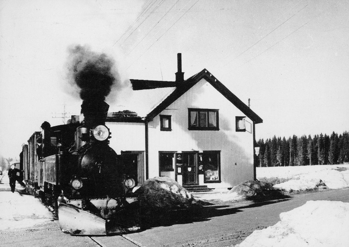 "transport, tog, Sørumsand, Urskog-Hølandsbanen, ""Tertitten"""