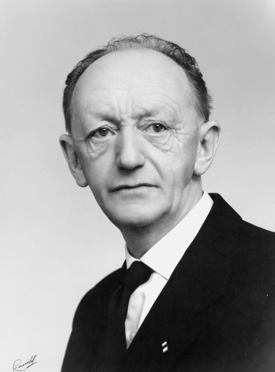 portrett, mann, postmester Johannes Ingemann Nilsen