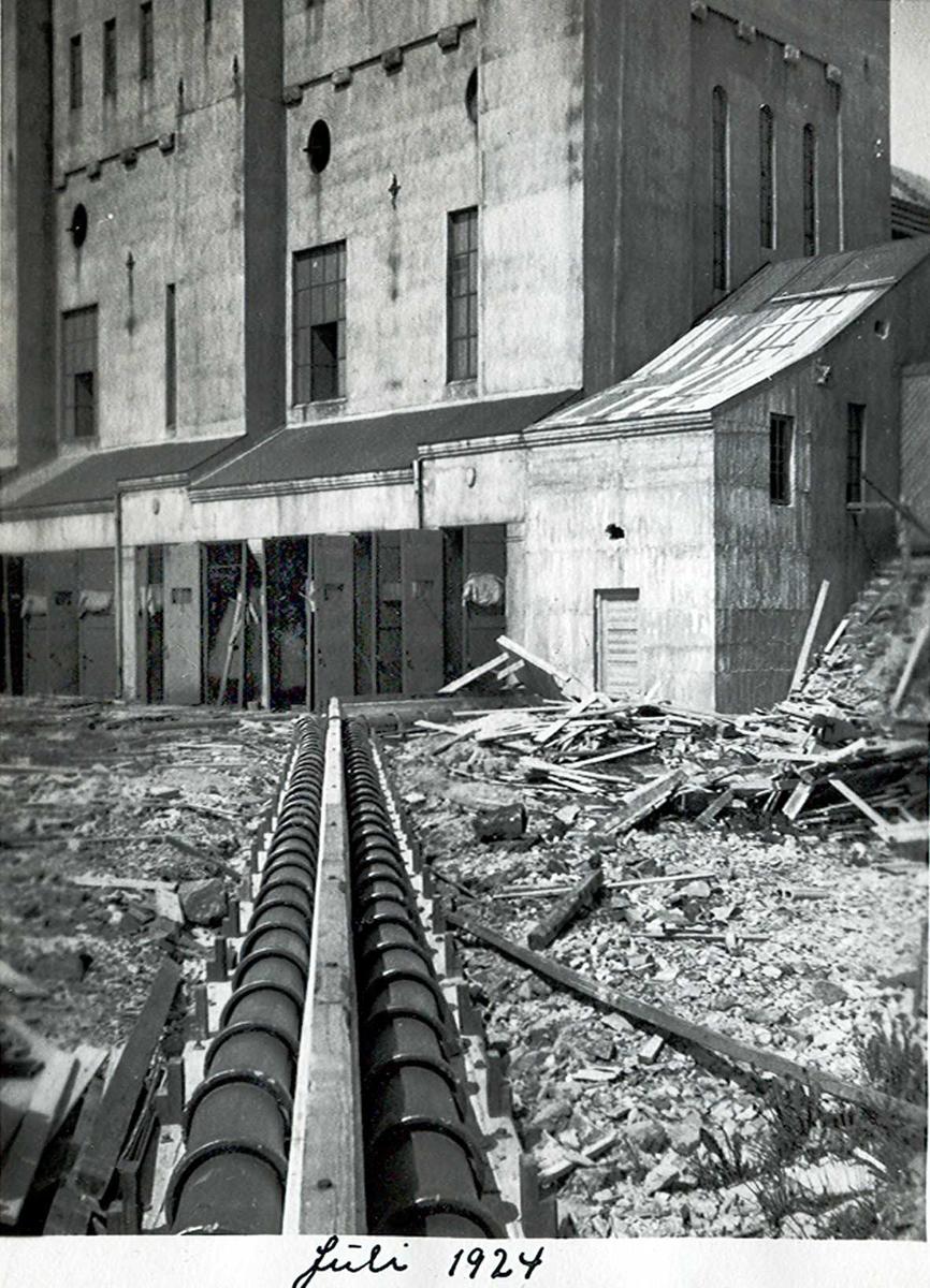 """""""xx/07-1924"""" Nitriden. Kloakkledning fra Omformerstasjonen."""