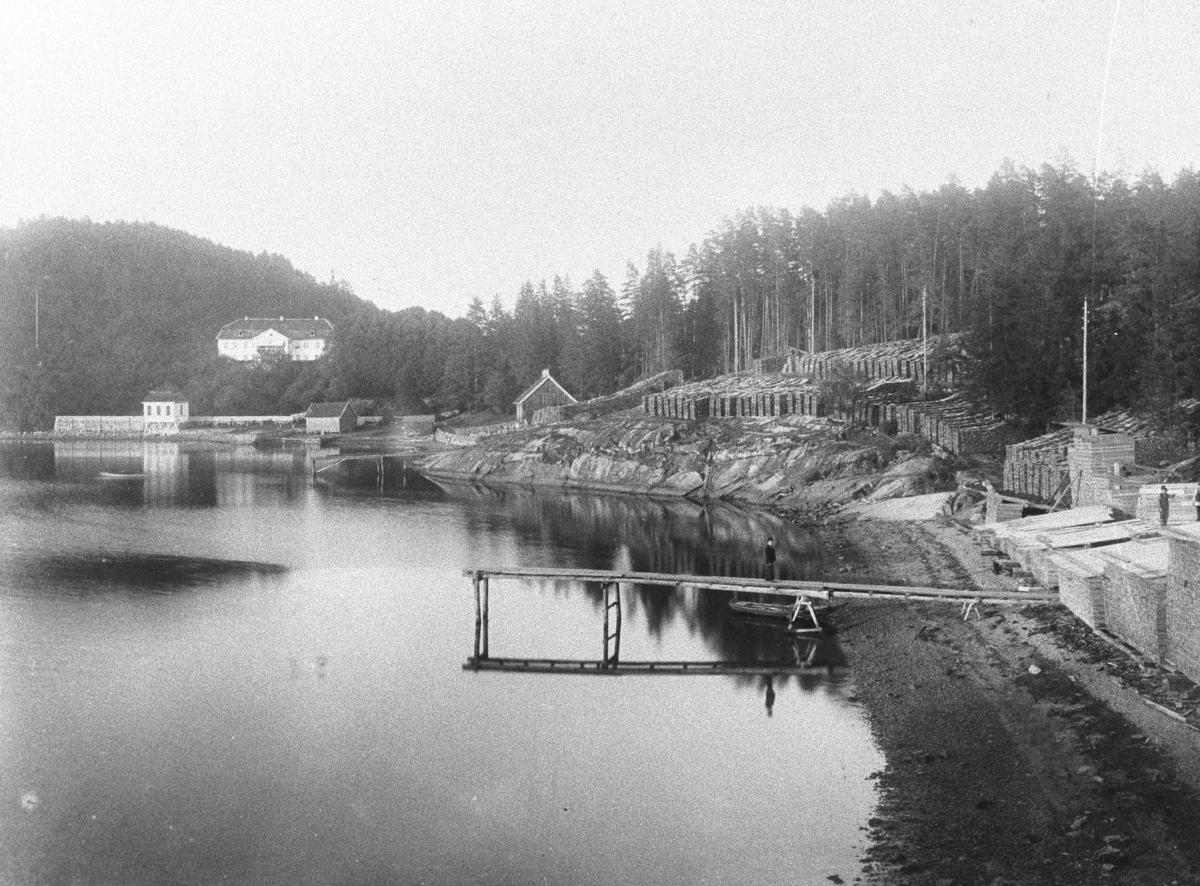 Hvervenbukten, Stubljan. Lasteplass for plank til utskipning