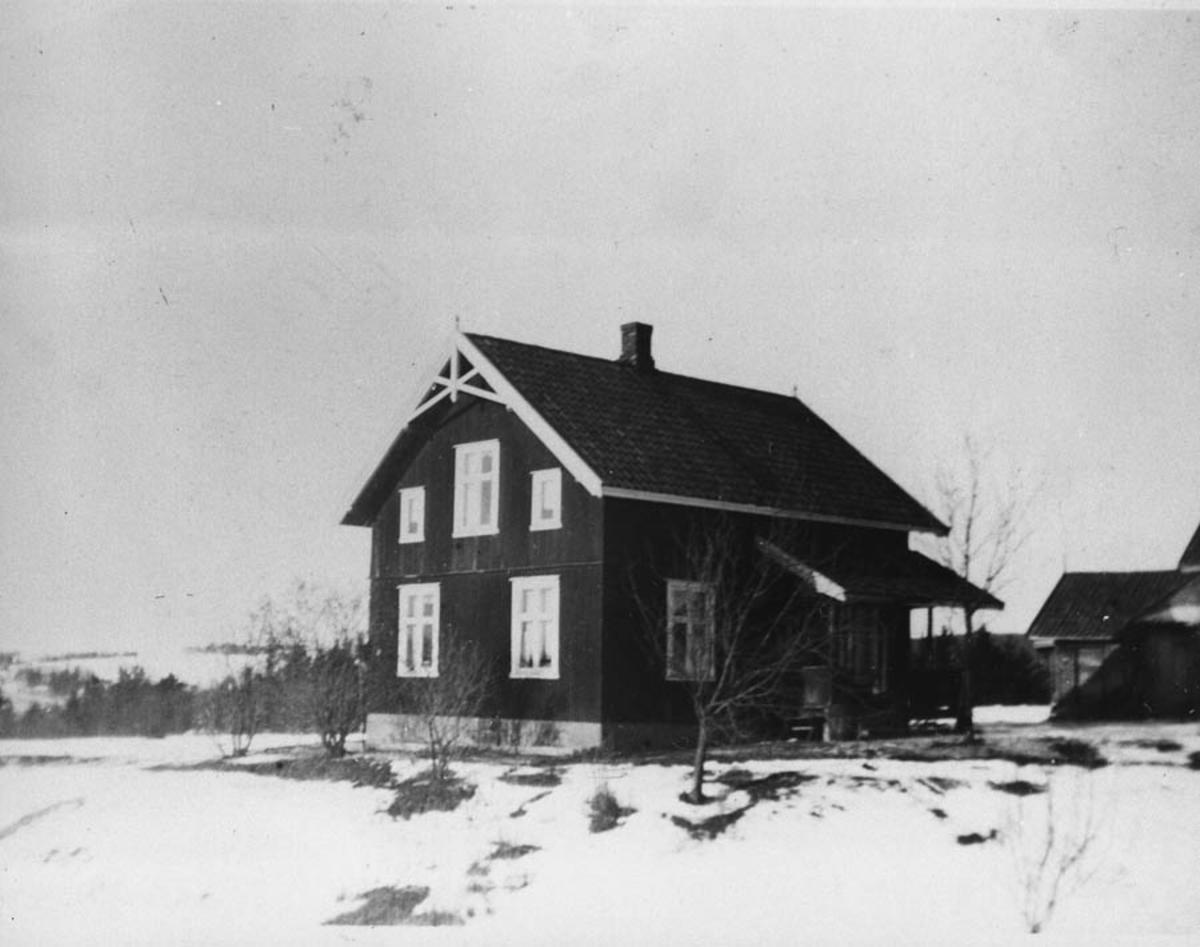 Bakkeli, hovedbygningen byggd 1927.