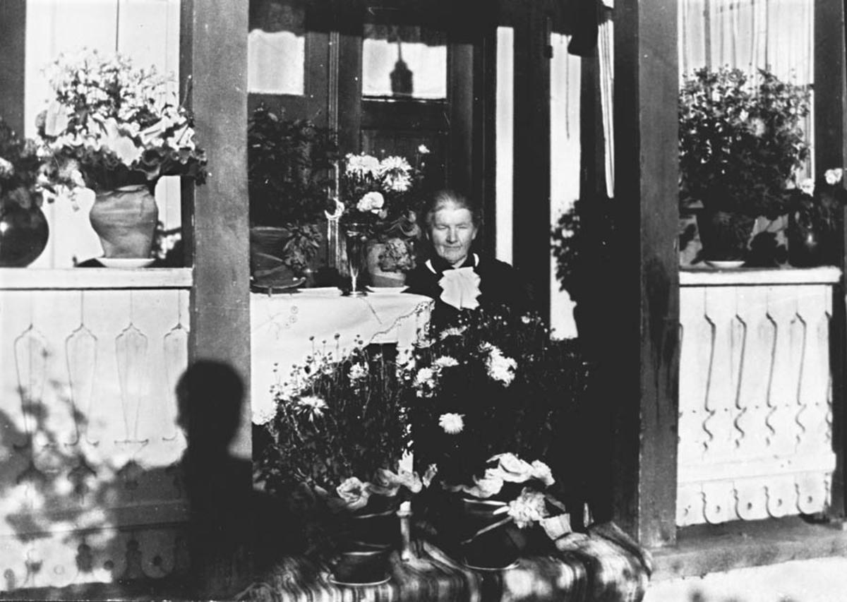 Berthe Jensen Østegar'n Guttarsrud på sin 80-årsdag