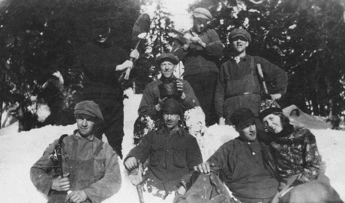 Veibrøytningslag til stordriften i Ruud skog 1936-37.