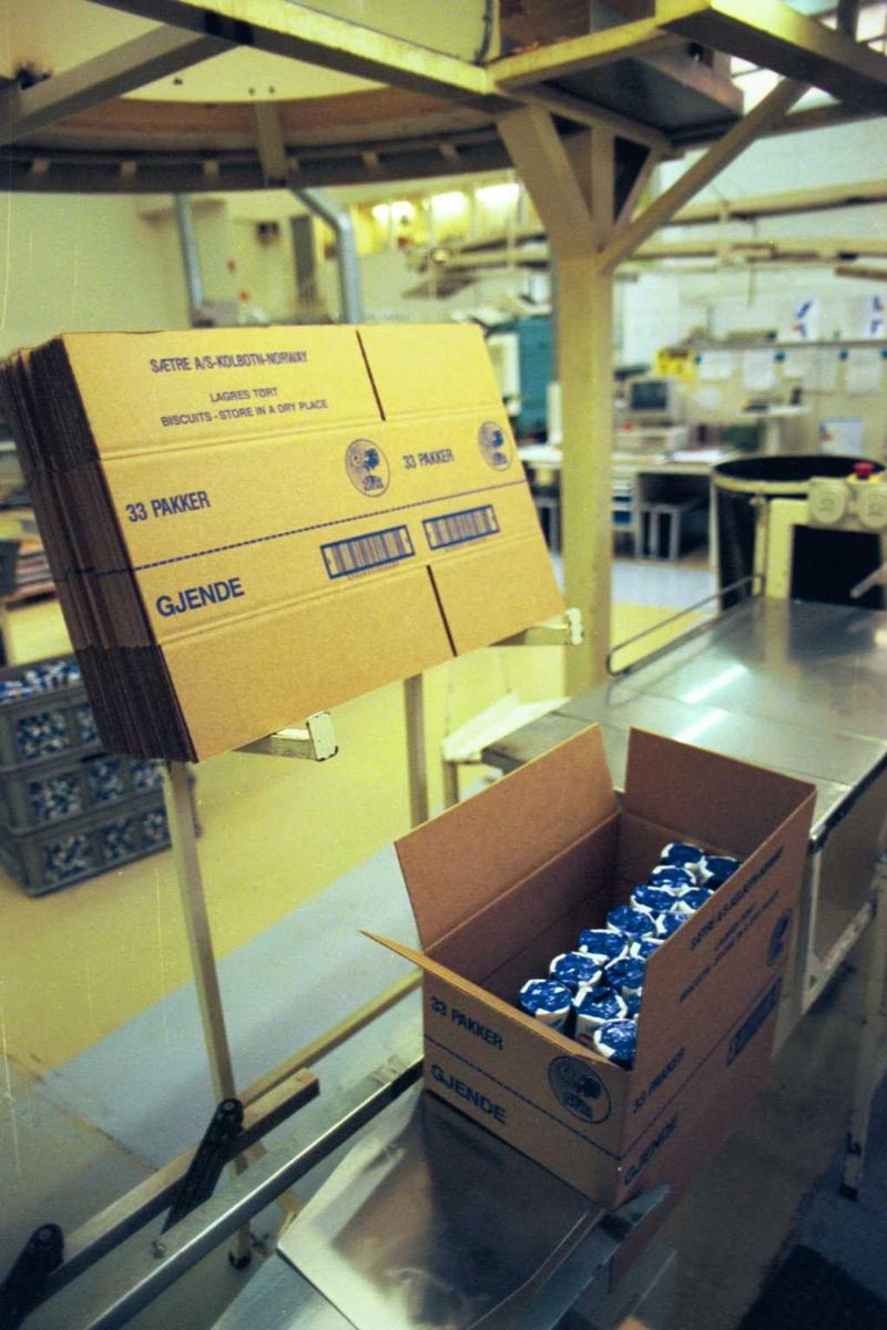 Gjendekjeks, maskiner, emballasje, fabrikkmiljø