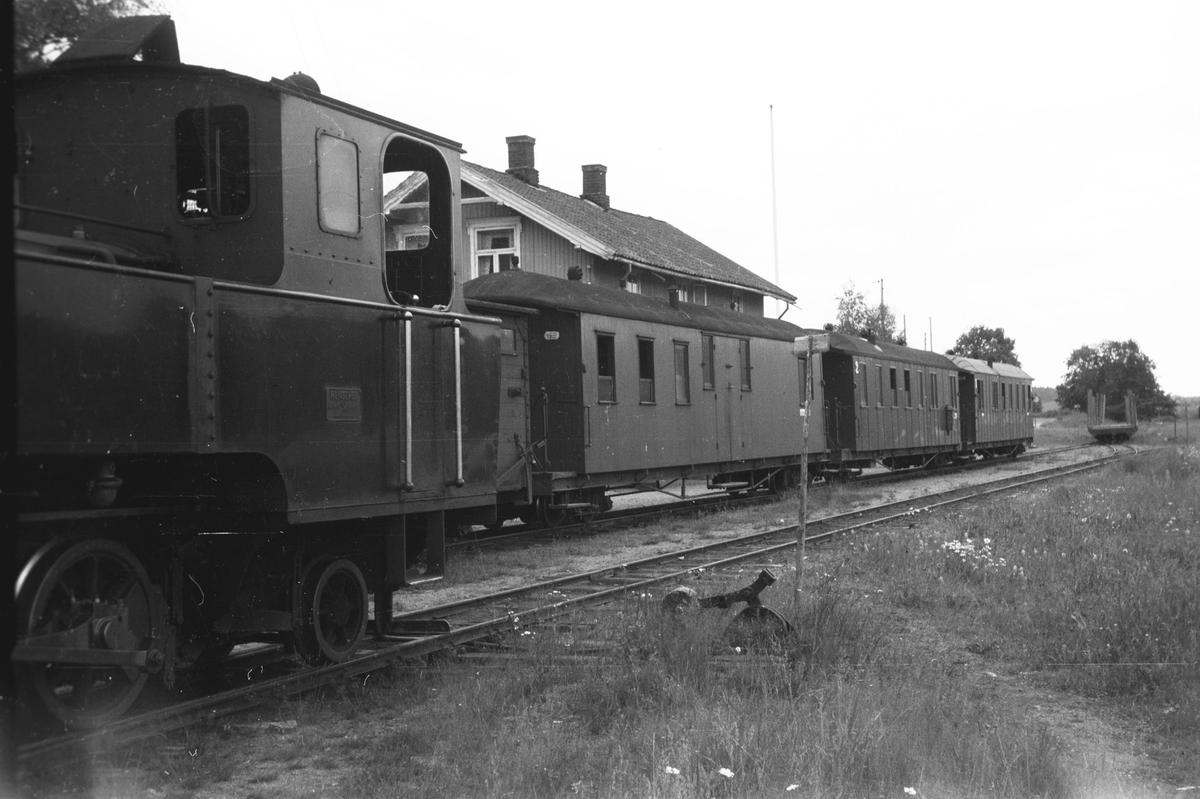 Skifting på  Skulerud stasjon.