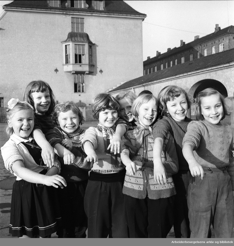 Hersleb skoles barn blir poliovaksinert, november 1956