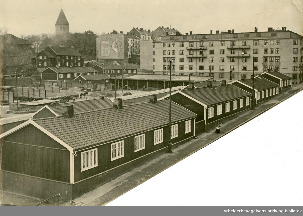 """""""Aftenposten""""-brakkene på Falck Ytters plass på Ila, .1935-40"""