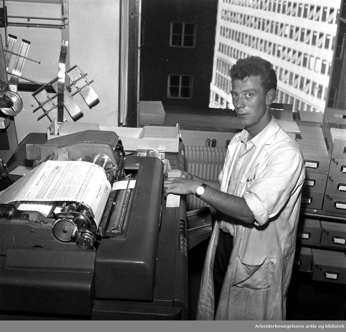 Hullkortavdelingen i Rådhuset .september 1958
